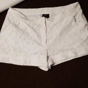 Nicole By Nicole Miller White Laced Shorts Size 12
